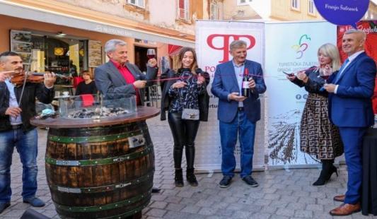 Otvorena prva butelja Portugisca Plešivica